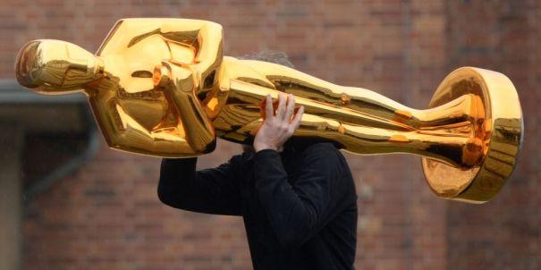 OscarStatuette.jpg